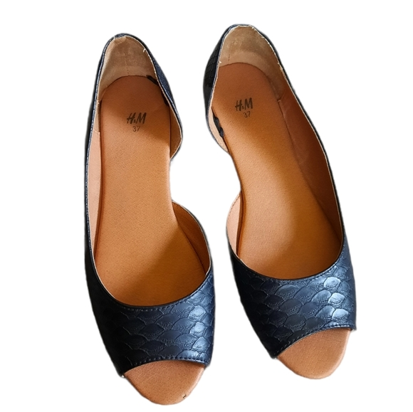 $3 Bundle Sale Black Faux Snakeskin Peep Toe Flats
